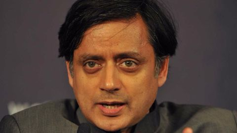Tharoor becomes a hero with his Oxford speech