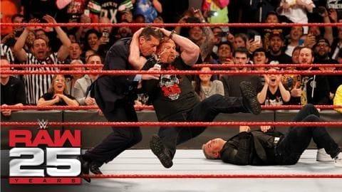 WWE के 5 सुपरस्टार्स जिन्होंने रिंग में विंस मैकमैहन को जमकर मारा, देखें वीडियो