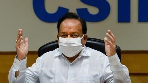 कोरोना वायरस: स्वास्थ्य मंत्री ने माना- देश के कुछ जिलों में शुरू हुआ कम्युनिटी ट्रांसमिशन