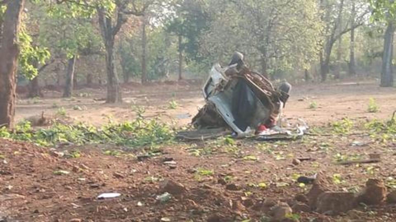चुनाव से दो दिन पहले छत्तीसगढ़ में नक्सली हमला, भाजपा विधायक समेत 5 की मौत