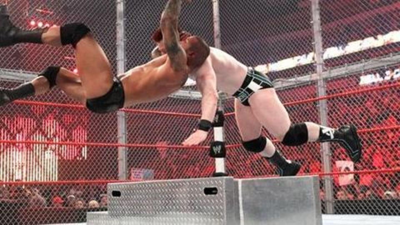 WWE द्वारा बैन किए गए फिनिशर मूव्स, जो किसी की जान ले सकते थे, देखें वीडियो