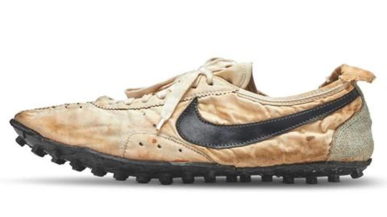 नाइकी के एक जोड़ी जूते तीन करोड़ रुपये में हुए नीलाम, जानिए क्या है ख़ास