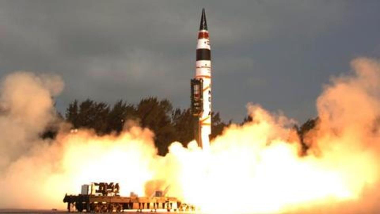 विंग कमांडर अभिनंदन की हिरासत के बाद एक-दूसरे पर मिसाइल दागने को तैयार थे भारत-पाकिस्तान