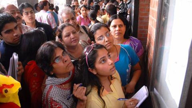 घट रही है UPSC सिविल सेवा परीक्षा में हिंदी माध्यम के उम्मीदवारों की संख्या, जानें कारण