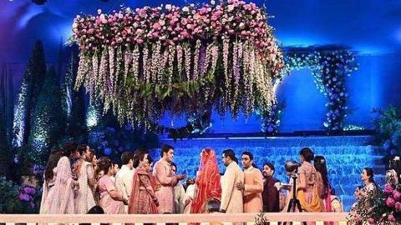विवादों के बाद आकाश अंबानी की शादी में जमकर नाचे हार्दिक पांड्या-करण जौहर, देखें वीडियो