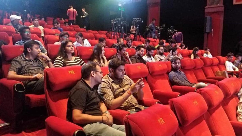 सिनेमाघरों के संचालन के लिए गाइडलाइंस जारी, हर दूसरी सीट छोड़नी होगी खाली