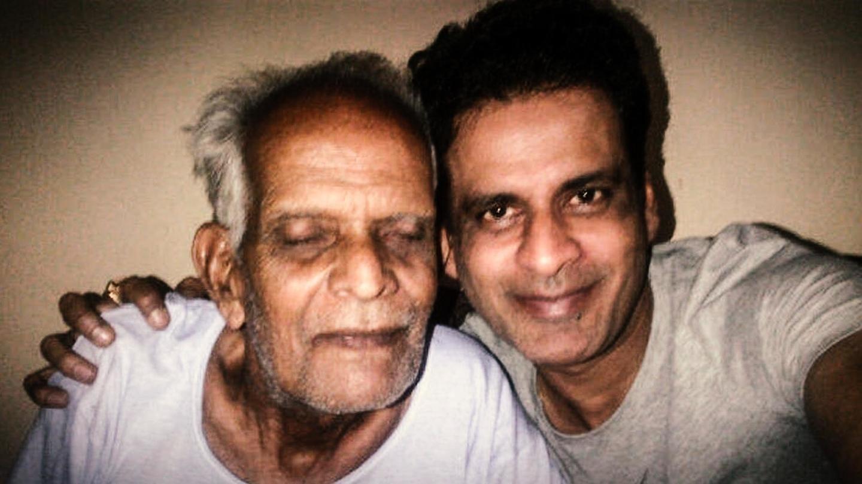 मनोज बाजपेयी के पिता की हालत गंभीर, शूटिंग छोड़ केरल से दिल्ली रवाना हुए अभिनेता
