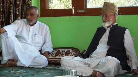 Hurriyat leader calls Kashmir a political and not religious issue