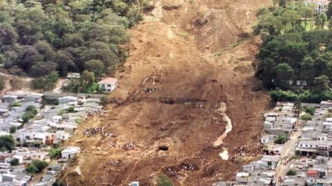 Landslide in China, 100 feared buried