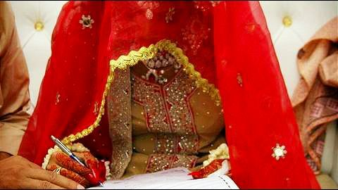 Pakistan rejects the bill to increase marriageable age for girls