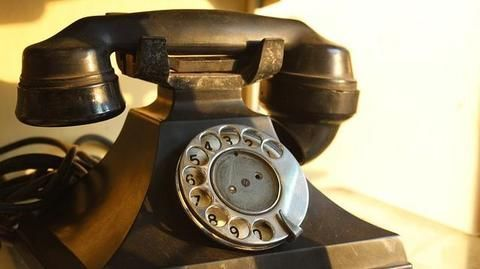 Hitler's personal phone goes under the hammer