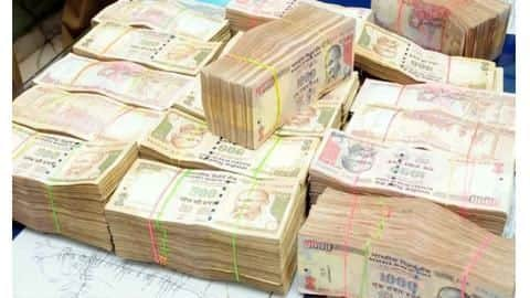 Gujarat: Rs. 3.36 crore in demonetized notes seized; 3 arrested