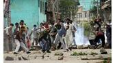 J&K: 10 injured in clashes between security forces, stone-pelters