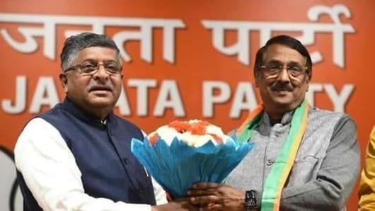 Senior Congress leader Tom Vadakkan joins BJP