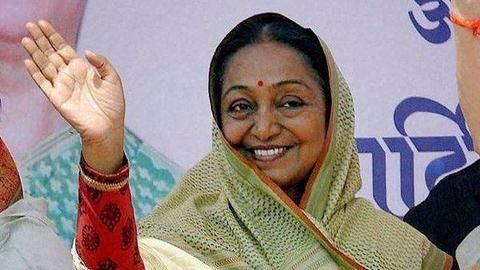 Meira Kumar asks leaders to listen to 'voice of conscience'