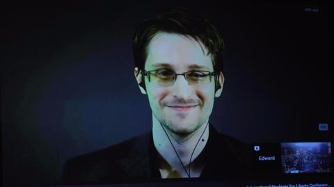 """Russia extends Snowden's residency by """"couple of years"""""""