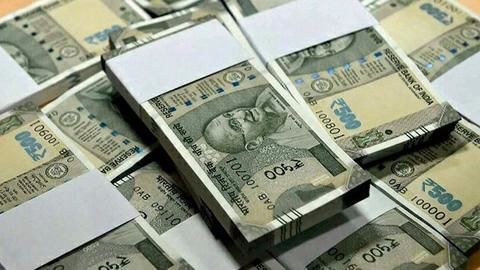 India's historic move to demonetize evokes strong reactions