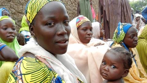 Displaced Nigerian women protest against conditions