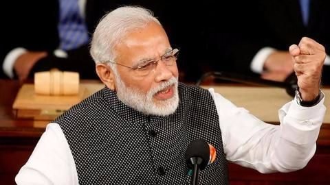 Gujarat: 3.5 lakh students to get 'NAMO' tabs for Rs.1000