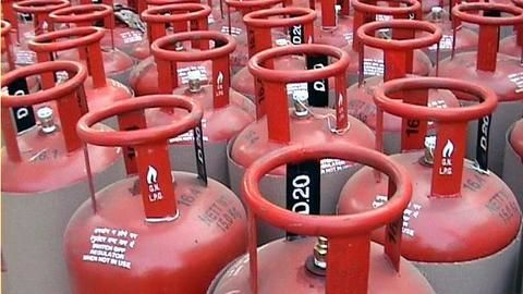 Prices of unsubsidized LPG cylinders hiked by Rs. 86
