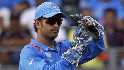 Shastri confirms Dhoni will play 2019 World Cup