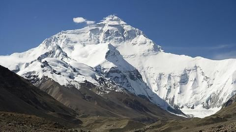 Is Mount Everest shorter after the earthquake?
