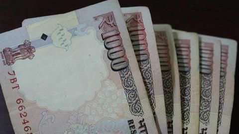 India demonetizes Rs. 500, Rs. 1000 notes