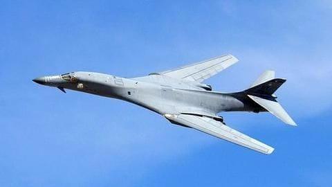 North Korean crisis: US flies B-1B bomber over Korean peninsula
