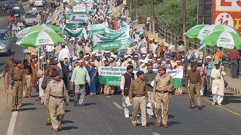 India's agrarian crisis- Why farmers are protesting