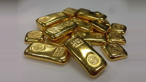 Gold prices reach 11-month high of Rs. 31,350/10gm