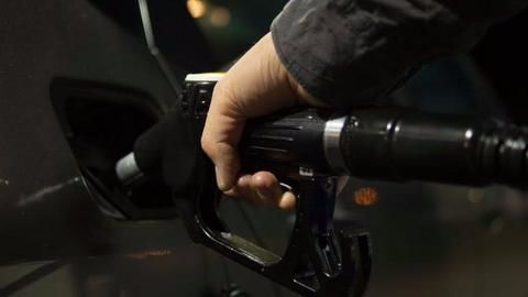 Factors affecting fuel price fluctuations in India