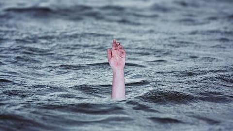 Bengaluru NCC cadet drowns in pond while friends click selfies