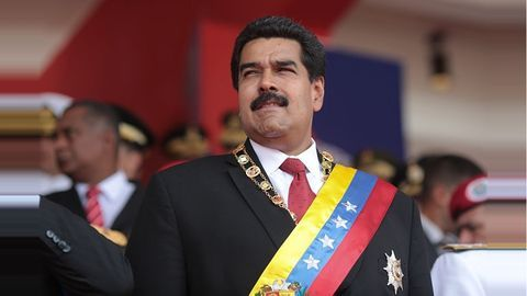 US slaps sanctions on Maduro after controversial vote