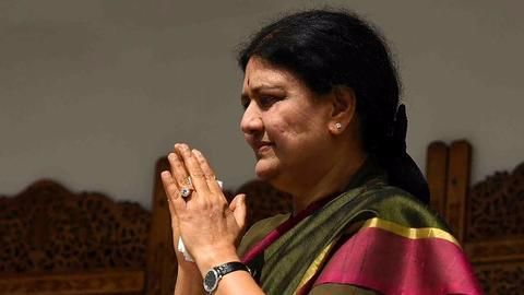 SC convicts Sasikala in disproportionate assets case, won't be CM