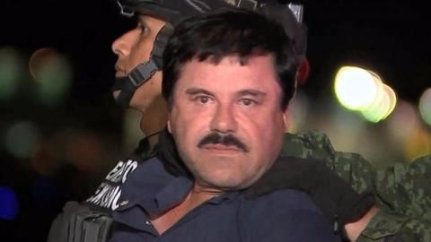 """Mexican drug lord """"El Chapo"""" extradited to the US"""