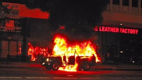Gang burnt cars across city, attacked police station for diversion