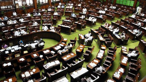 Six Cong MPs suspended from Lok Sabha for 'unruly behavior'