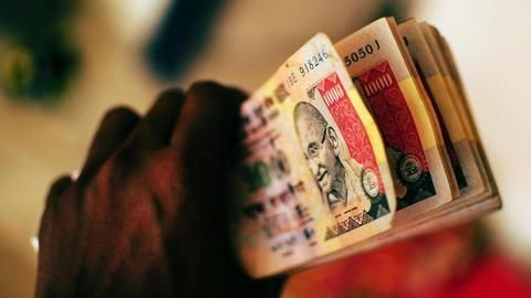 Indian demonetization leaves foreign nationals in the lurch