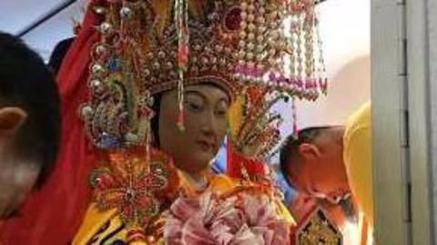 Chinese gods fly business class to Malaysia