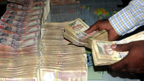 Rs. 110cr seized after demonetization was in new notes: Centre