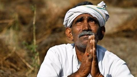 Section of Maharashtra farmers call off strike, others continue
