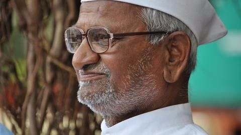 Kejriwal should resign if he is guilty: Anna Hazare