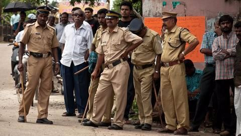 Indian policemen to lose decades-old khakis, get new 'smart uniforms'