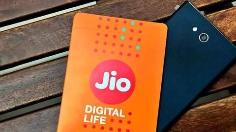 Second round of JioPhone bookings to start after Diwali: Reports