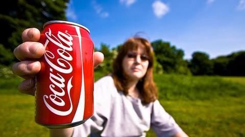 US Man finds dead mouse in Coca-Cola can