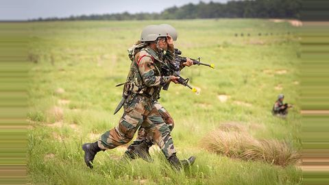 10 ceasefire violations by Pakistan in four days