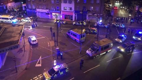 London: Van runs into worshippers near mosque