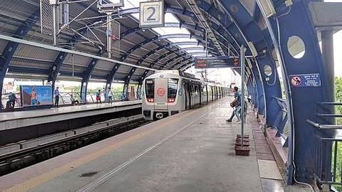 Delhi Metro fare hike: Kejriwal opposes, Centre insists it's necessary