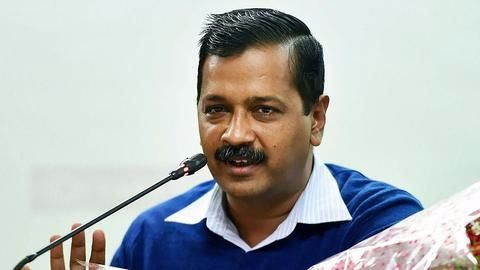 Kejriwal hosts dinner to check a deepening crisis