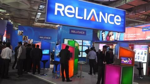 Jio effect: RCom offers dongle+1GB/day+SIM at Rs. 5,199!